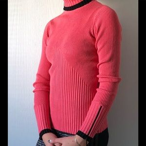 Women Cache Ribbed Turtleneck sweater